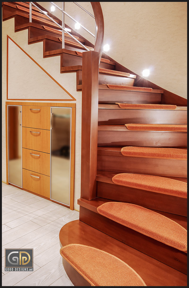 Partially carpeted stairs at GoodDesigns.net